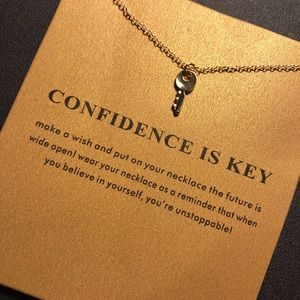 GIFT ♡ Confidence is key Necklace